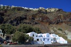 Landhäuser auf dem Ufer, Oia, Santorini, Griechenland Lizenzfreies Stockbild