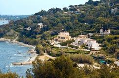 Landhäuser nähern sich Heiligem Tropez stockfotografie