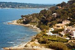 Landhäuser nähern sich Heiligem Tropez stockfotos