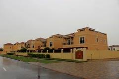 Landhäuser von der Straßenansicht Lizenzfreies Stockfoto