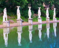 Landhaus-Adriana-Ruinen eines Kaiser-Adrian-Landhauses in Tivoli nahe Rom, Landschaft an einem sonnigen Tag Lizenzfreie Stockbilder