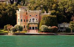Landhaus durch Lake Garda Lizenzfreie Stockfotografie