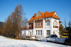 Landhaus gemacht vom Ziegelstein, errichtet im Jahre 1913 in Zakopane Lizenzfreies Stockfoto