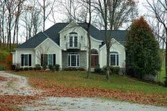 Landhaus im Herbst Stockbild