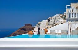 Landhaus mit Pool Stockfotografie