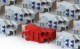 Landhaus umgeben durch schöne rote Leuchttürme Stockbilder