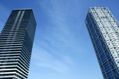 Landhausgebäudewolkenkratzer Barcelona-Olimpic Stockfoto