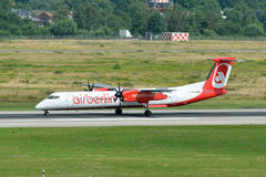 Landig de Berlin Dash 8/A-ABQH d'air Image stock