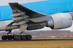 Landing aircraft Stock Photography