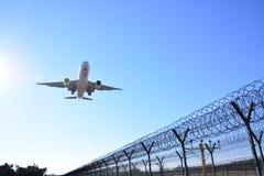 A landing flight Royalty Free Stock Photos