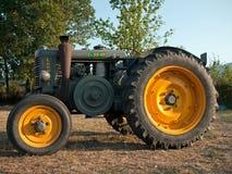 Landini traktorCv 35 40 Fotografering för Bildbyråer