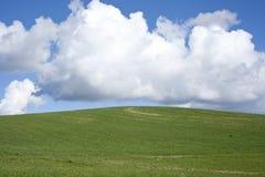 Landlandschaft im Frühjahr Lizenzfreie Stockfotografie