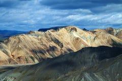 Landmannalaugar a coloré des montagnes d'arc-en-ciel, Islande Photographie stock libre de droits