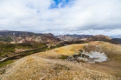 Landmannalaugar Erstaunliche mehrfarbige Berge nahe Brennisteinsalda am Anfang des Laugavegur wandern im südlichen highlan stockbild