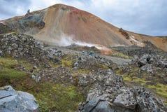 Landmannalaugar färgrika isländska berg Royaltyfria Bilder