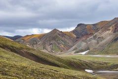 Landmannalaugar färgrika isländska berg Fotografering för Bildbyråer