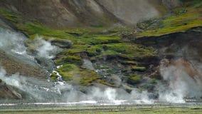Landmannalaugar geotermiska vårar stock video