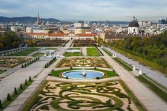 landmark gammala vienna för Österrike belvedereslott royaltyfri fotografi