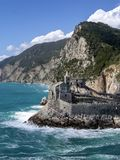 landmark L'?glise de St Peter, Portovenere, Ligurie, Italie vertical photo stock