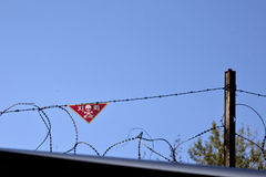 Landmijnwaarschuwingsbord bij DMZ Stock Afbeeldingen