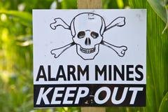 Landmineen-Warnzeichen Stockbilder