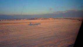 Landning av flygplan stock video
