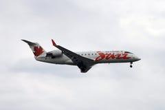 landning för Air Canada jazzstråle Royaltyfria Foton