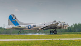 Landning för bombplan B-17 Fotografering för Bildbyråer