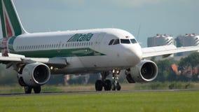 Landning för flygbuss A319 stock video