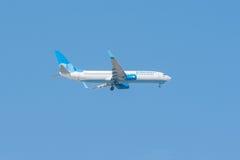 Landning för flygplanflygbolagseger Royaltyfri Fotografi
