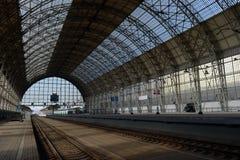 Landningetapp av den Kiev järnvägsstationen Royaltyfri Bild