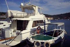Landningetapp i Adriatiska havet, flotta, seascape Resa och att segla Royaltyfria Bilder