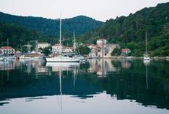Landningetapp i härliga Adriatiska havet Arkivfoto
