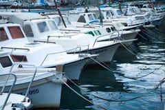 Landningetapp i härliga Adriatiska havet Arkivbild