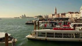Landningetapp i Venedig, Italien, 2016 stock video