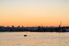 landningetapp på den guld- horn- fjärden i Istanbul Royaltyfri Bild