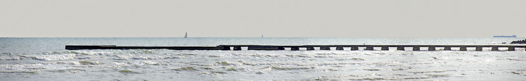 Landningetapp på kusten av Adriatiskt havet Royaltyfri Fotografi
