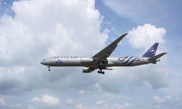 Landningflygplan Fotografering för Bildbyråer
