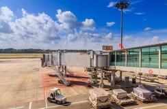 landningsbana för land för flygplanflygplats skrivande in till arkivfoton