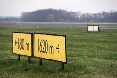 Landningsbanatecken Royaltyfria Bilder