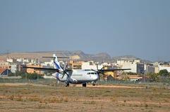 Landningsögonblick på den Alicante flygplatsen Fotografering för Bildbyråer