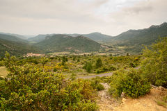 Landsbygd i de franska Pyreneesna royaltyfri foto