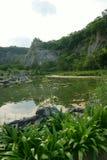 Landscape湖,森林,天空 免版税库存照片