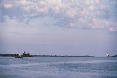 Landscape湖 水纹理 湖在黎明 嘴 免版税库存照片