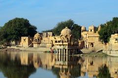 Дворец на озере в Jaisalmer Индии Стоковая Фотография