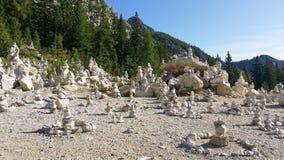 landscape Дзэн башен 2 камней камня пирамидки гор раздумья Стоковое Изображение RF