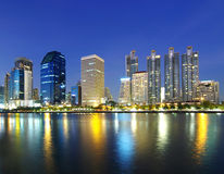 Город Бангкока ландшафта на сумерк стоковое фото rf