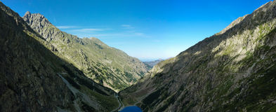 Landscape of an alpine lake Royalty Free Stock Images