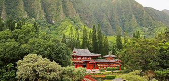 Landscape with Byodo-in Temple Royalty Free Stock Photos