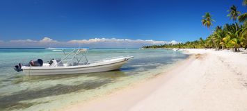 Landscape of paradise tropical island beach with perfect sunny s Stock Image